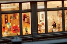 Почему в Голландии жители не вешают шторы на окна