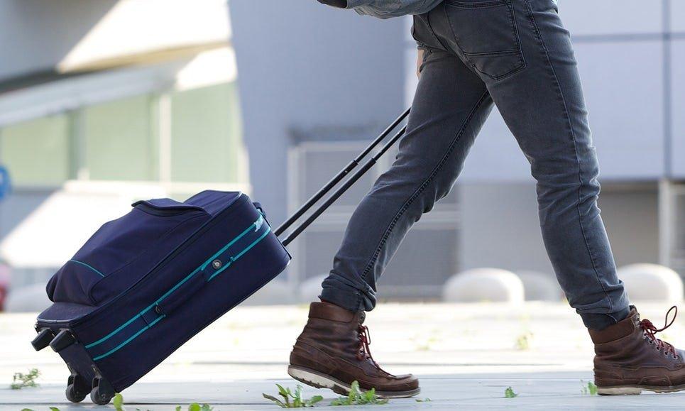 Сдать чемодан на хранение в аэропорту