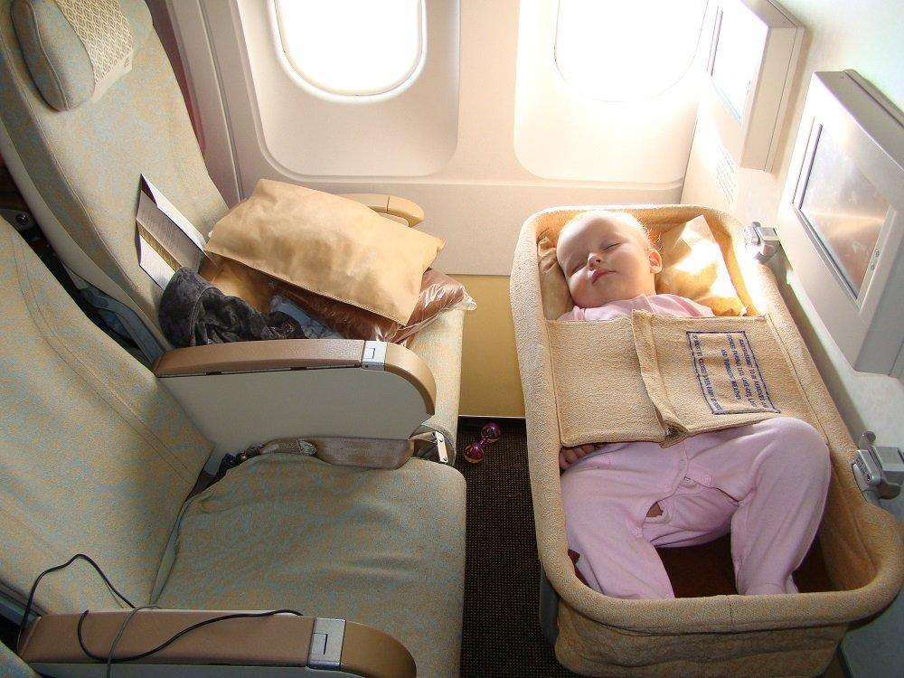 В самолете есть крепления для подвесной люльки