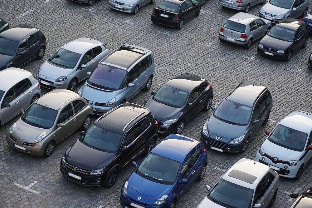 Частная парковка автомобилей