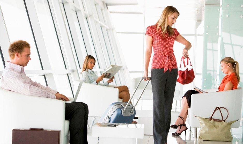 Время ожидания в транзитных аэропортах