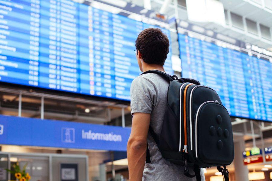 Ждать пересадку на рейс в аэропорту