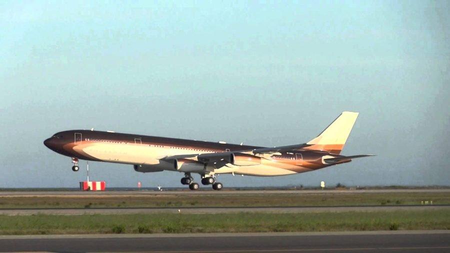 Airbus A340-300 Алишера Усманова