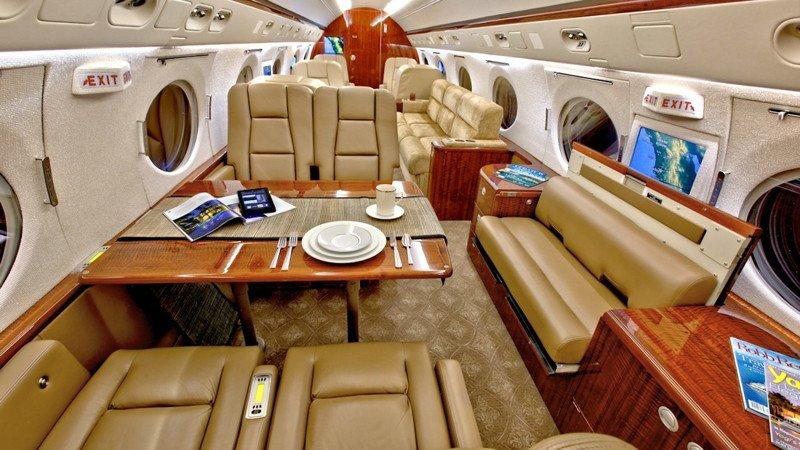 Gulfstream V  внутри актера Джими Керри