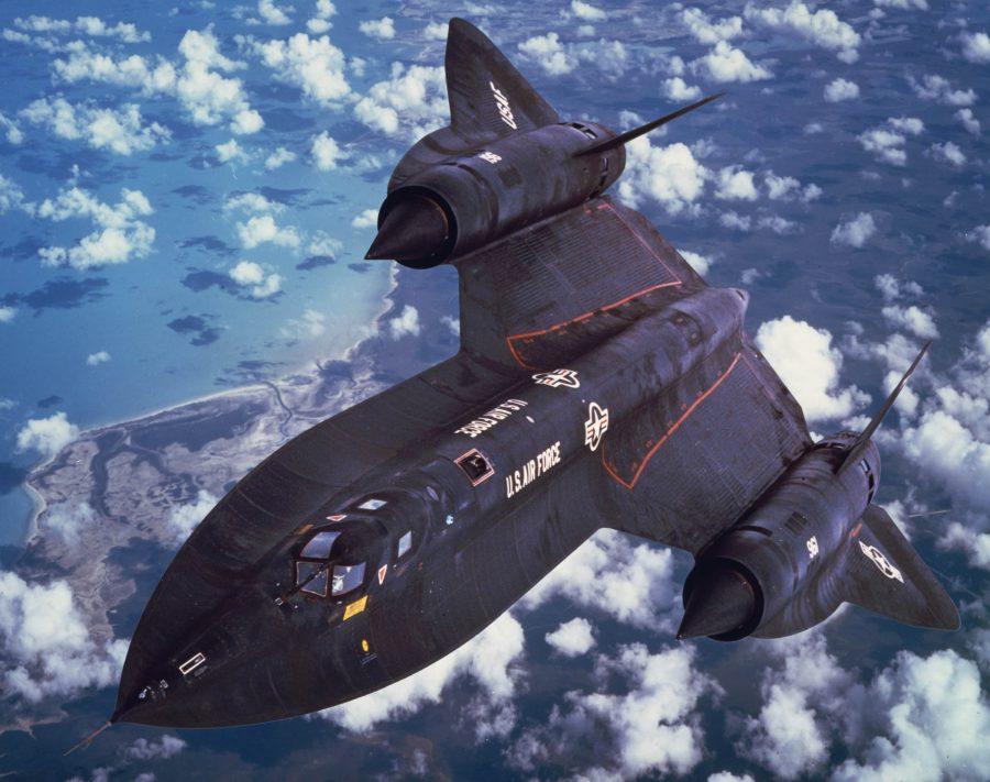 Воздушный разведчик SR-71 Blackbird