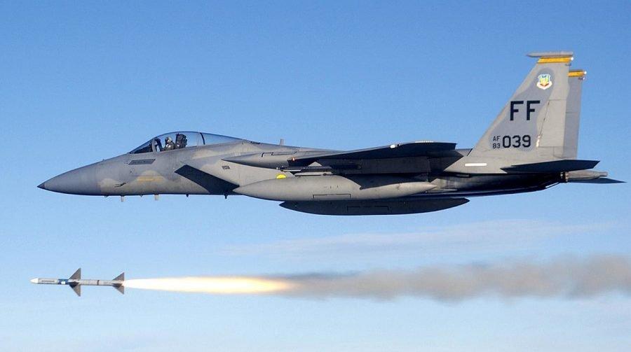 Самолет F-15 Eagle McDonnell Douglas