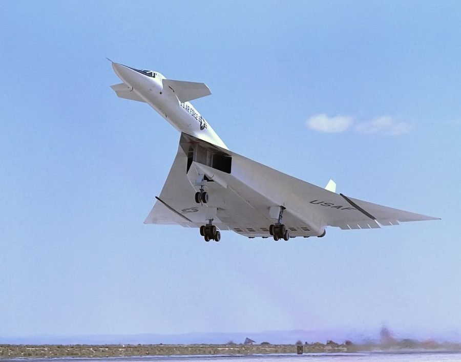 Быстрый самолет Valkyrie XB-70