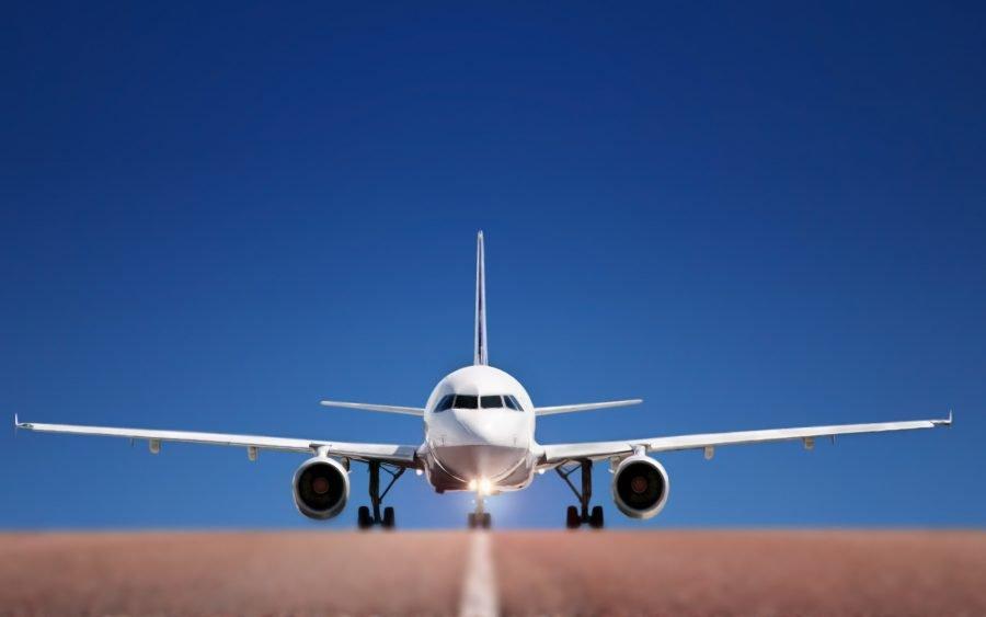 Самолет транспорт для путешествий