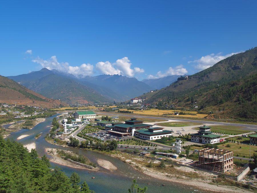 Взлетная полоса Паро Бутан