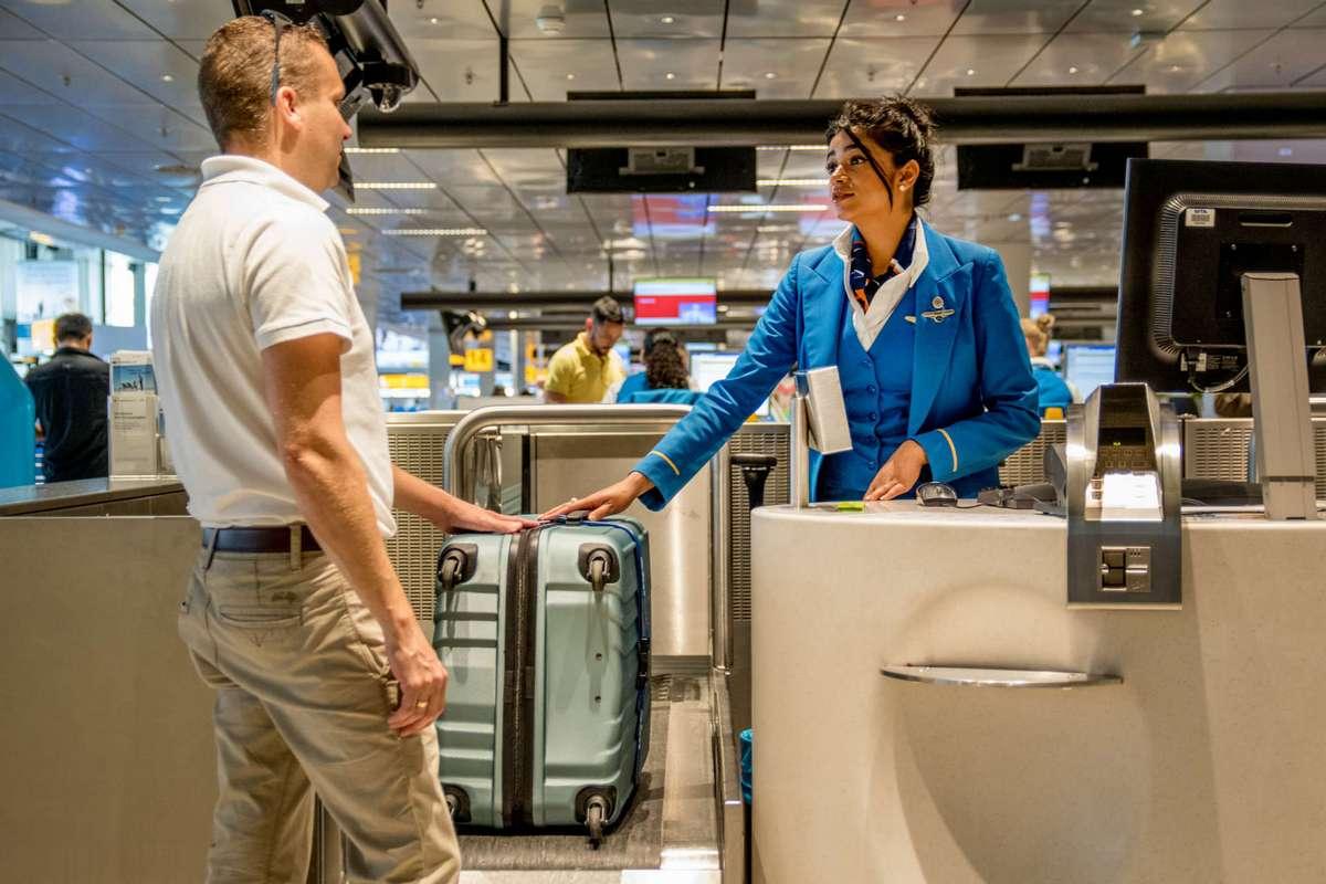 Вес багажа в салон самолета
