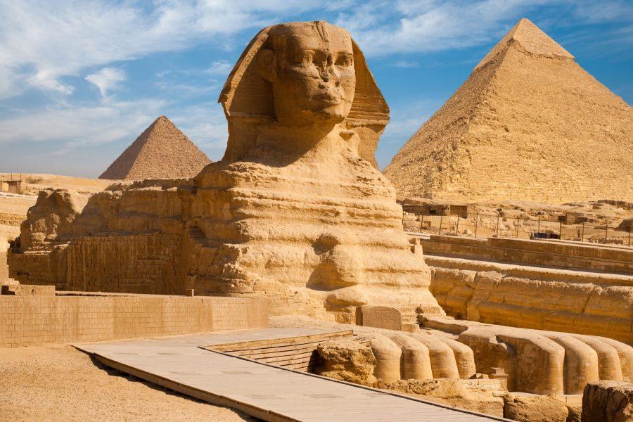 Сфинкс расположенный в Каире