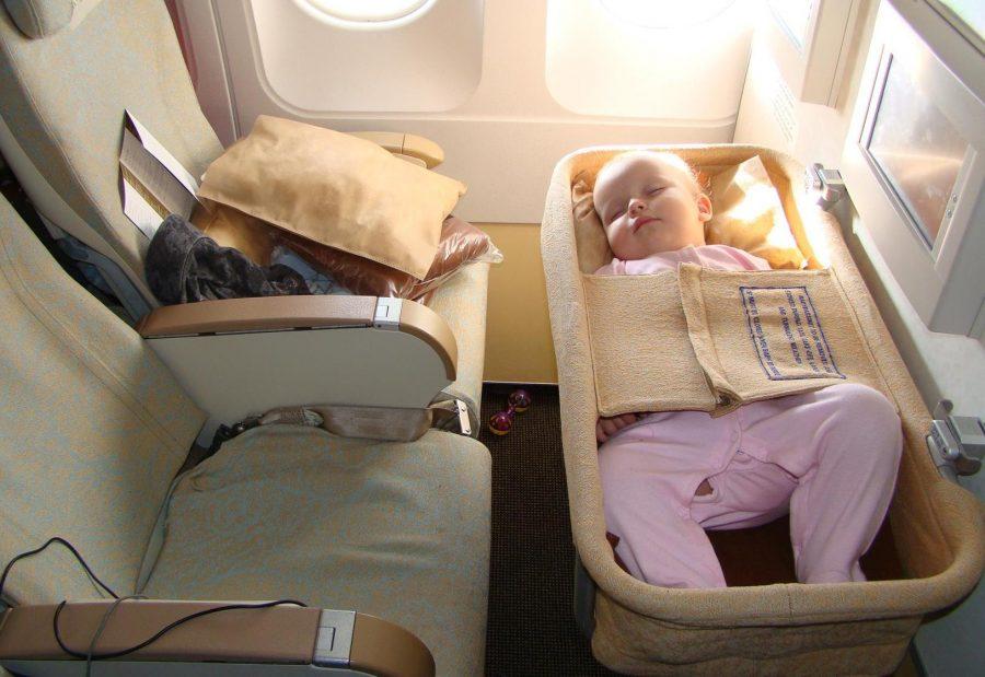 Куда чаще летают с малышами
