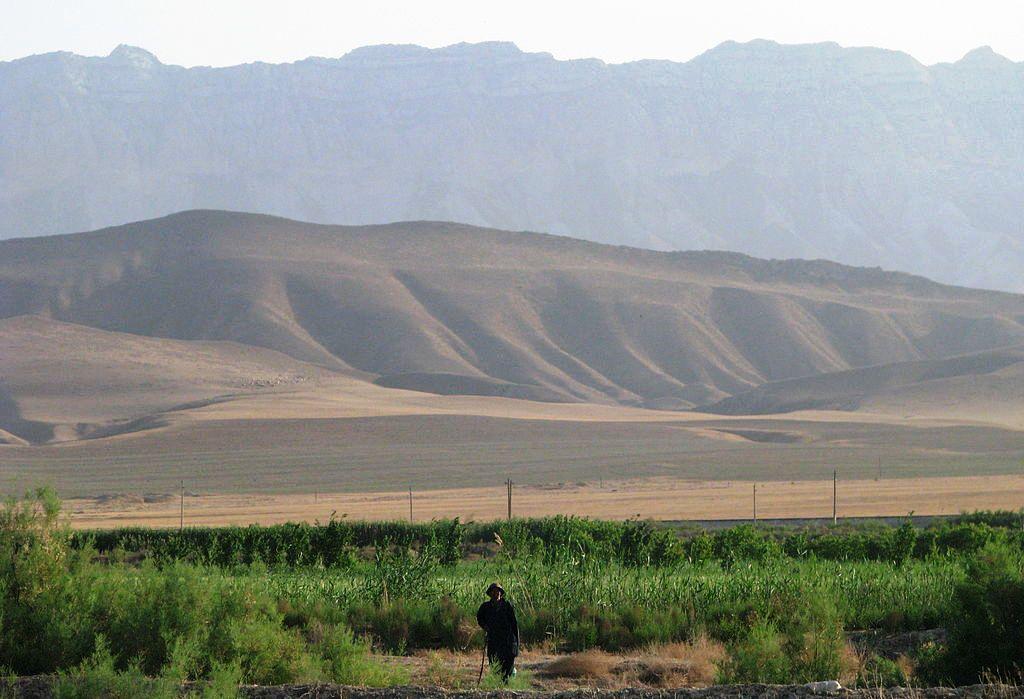 Туркменистан горы и пески
