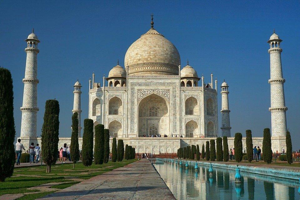 Тадж-Махал (Индия) внутри фотографировать запрещено
