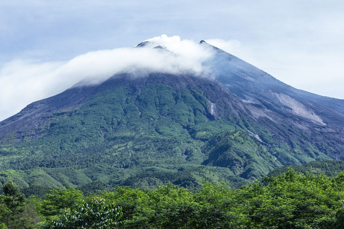 Гора Мерапи в Индонезии