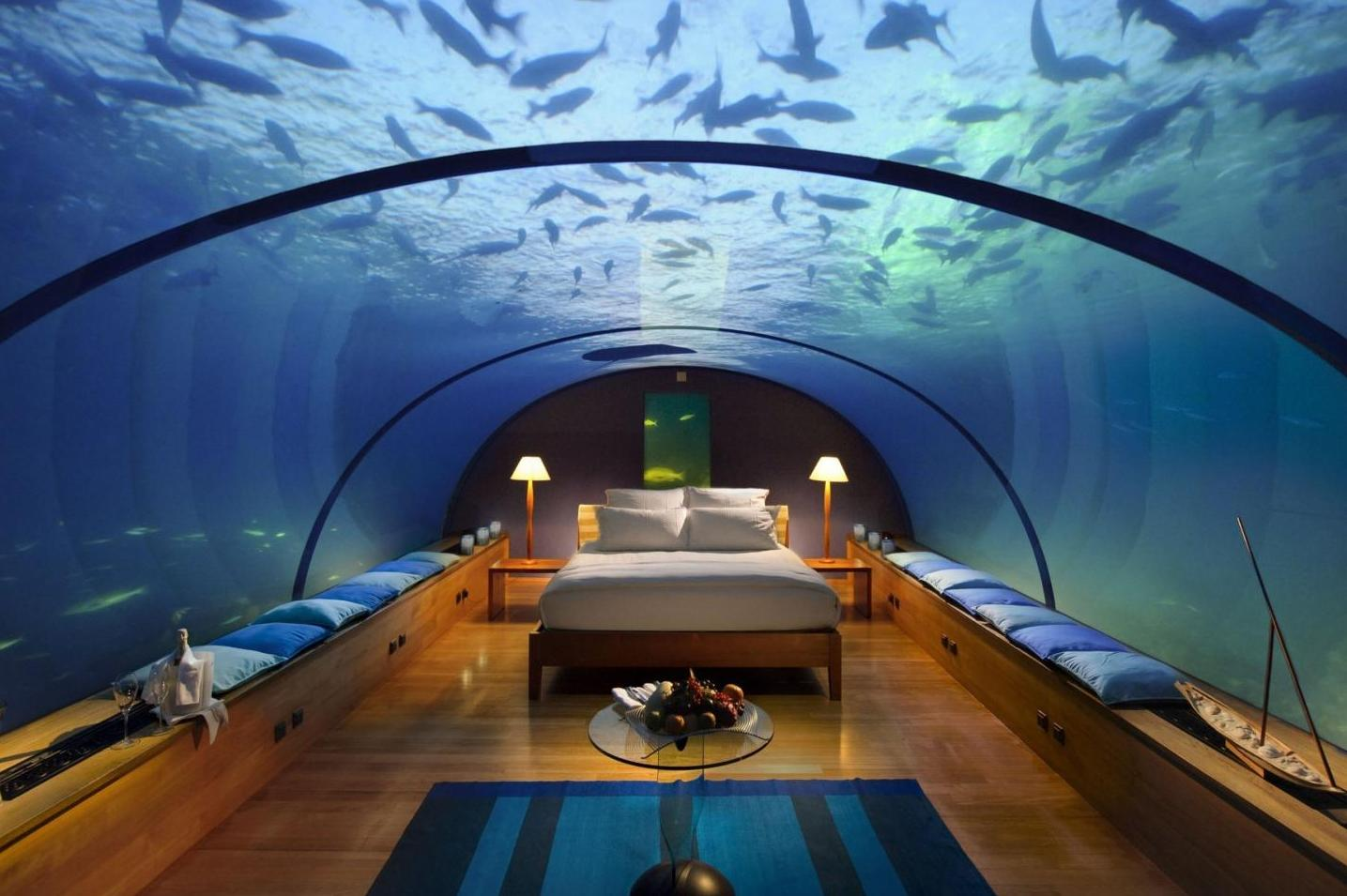 Отель Jules Undersea Lodge