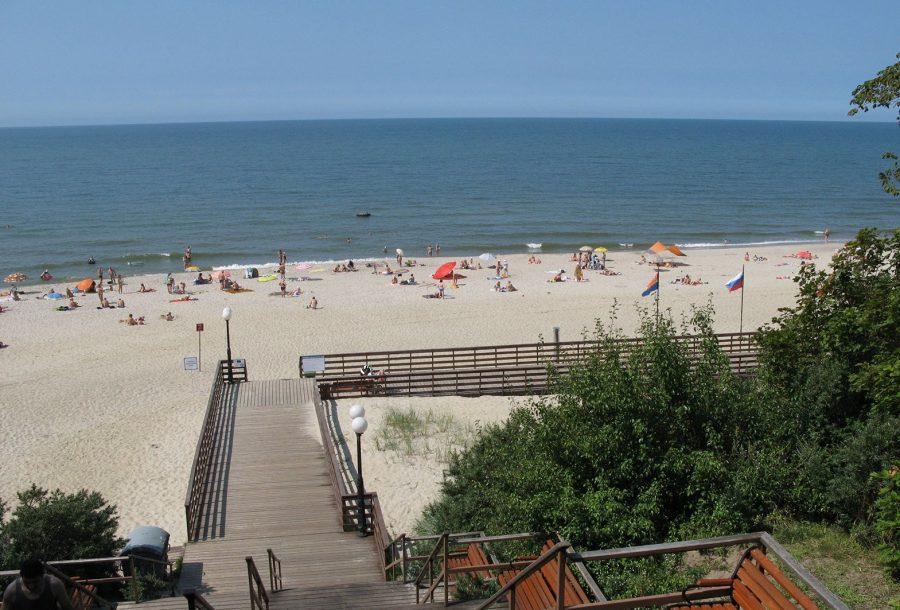 Янтарный пляж на Балтийском море, Калининградская область