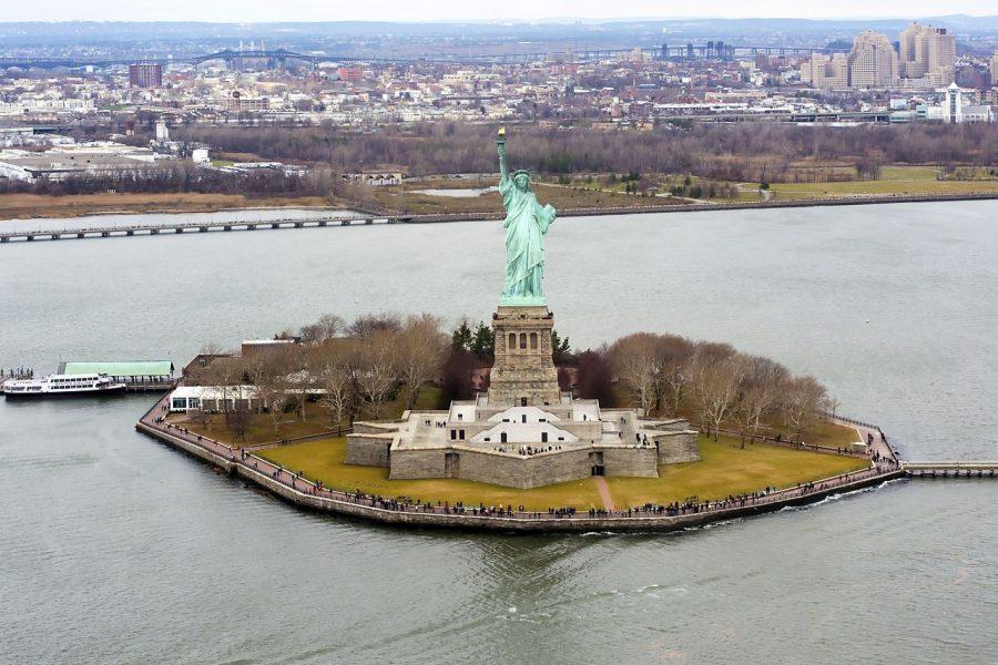 Какого цвета Статуя Свободы