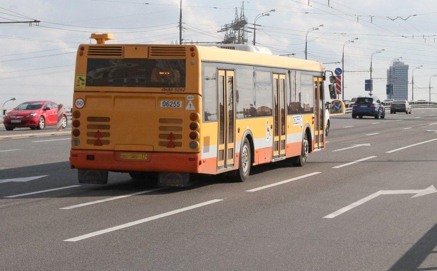 Добраться до рынка на автобусе