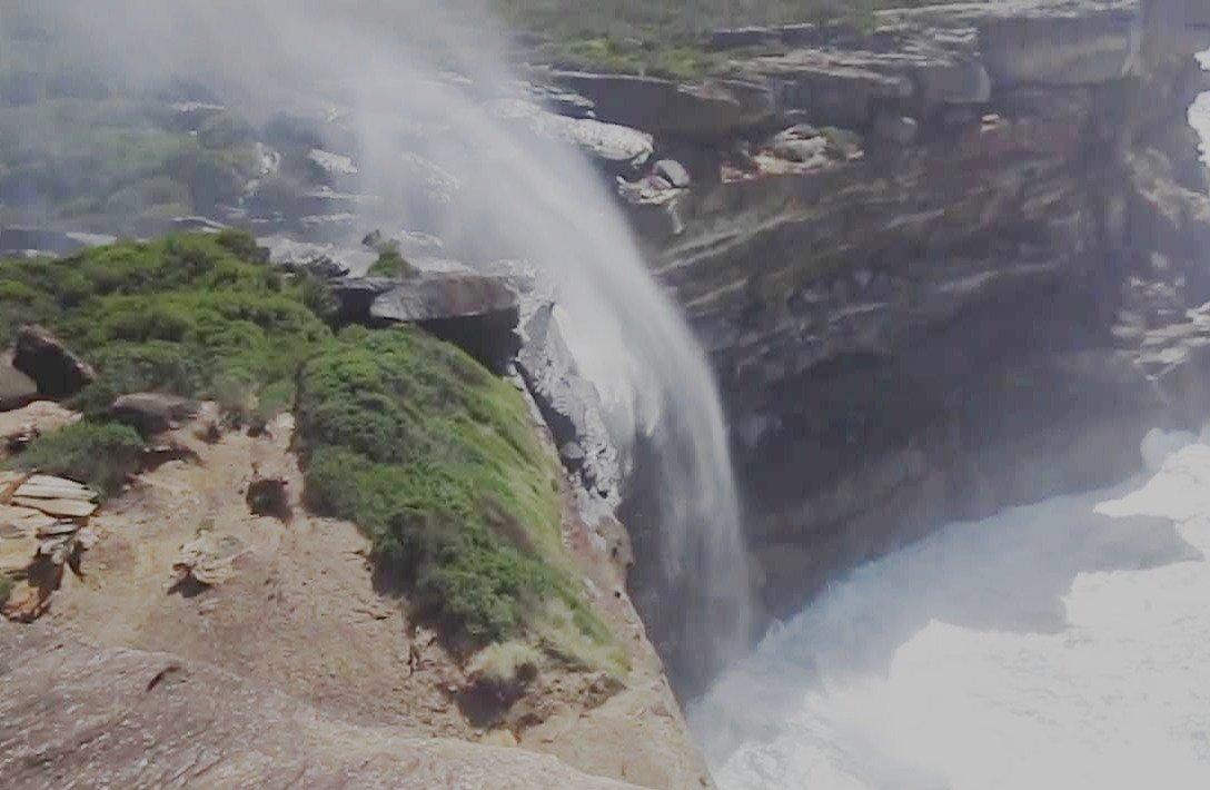 «Обратный» водопад в Чили