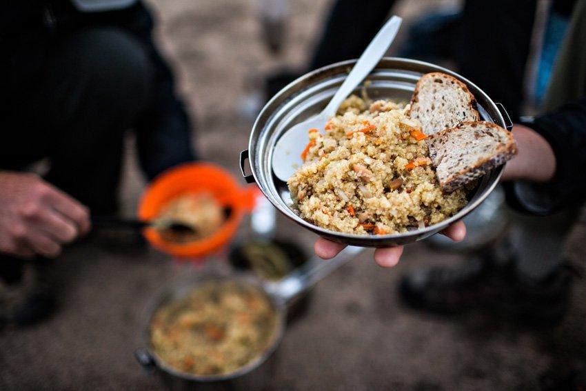 Сытная пища для похода в горы