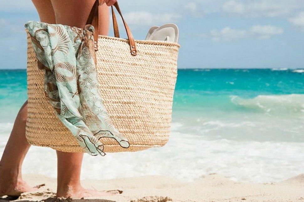 Пляжную сумку взять на море