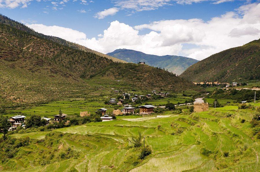 Королевство Бутан защищает себя от туристов