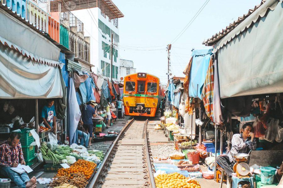 Maeklong рынок в Таиланде