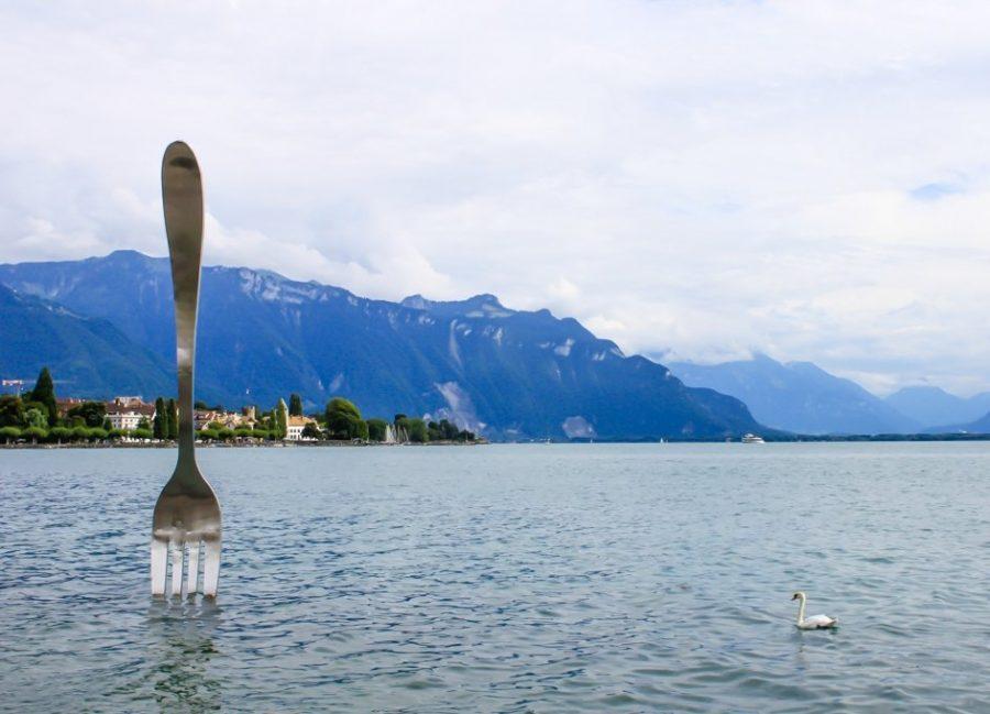 Памятник вилка в Швейцарии