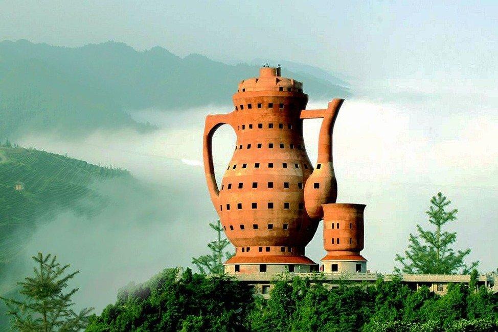 Памятник чайнику в Китае
