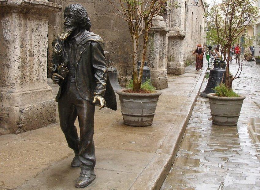 Памятник Кубинский джентльмен