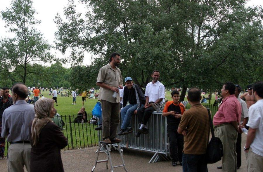В Гайд-парке трибуна для выступлений