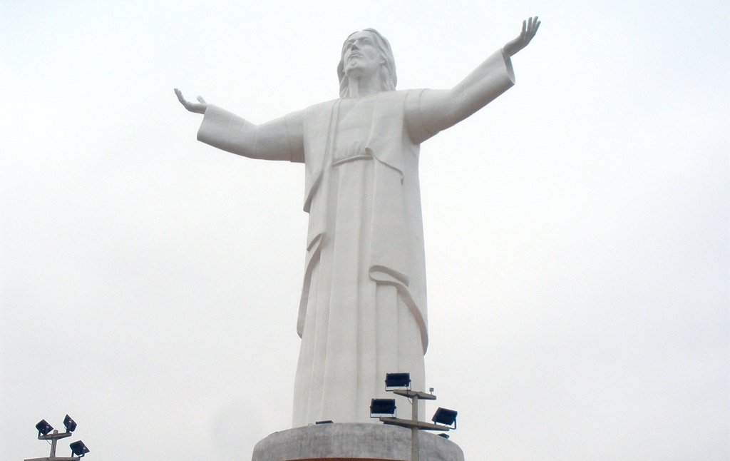 Статуя Иисуса Христа в Перу