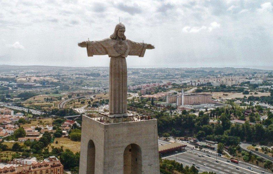 Статуя Кристо Рей в Португалии