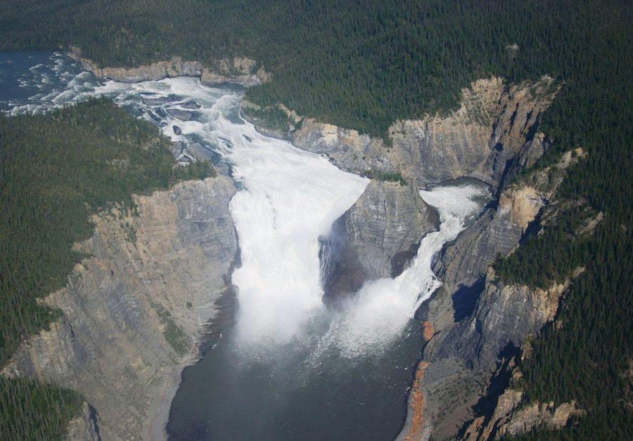 Величественный водопад Вирджиния
