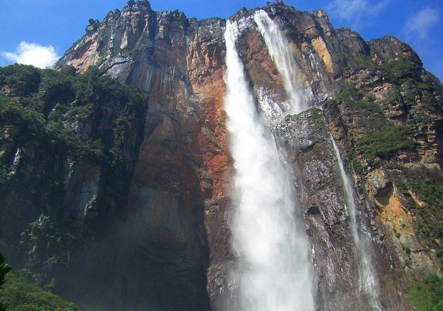 Величественный водопад Анхель
