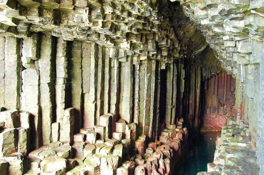 Фингалова пещера в Шотландии