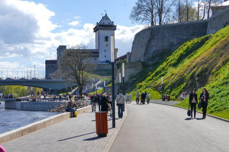Город Нарва в Эстонии с русскоязычными жителями