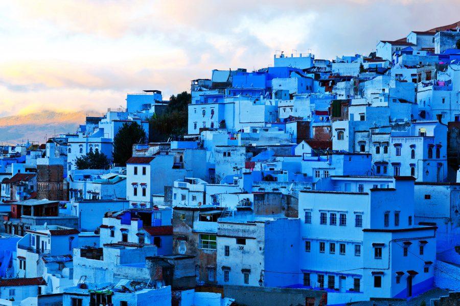 Шавен город в синих оттенках