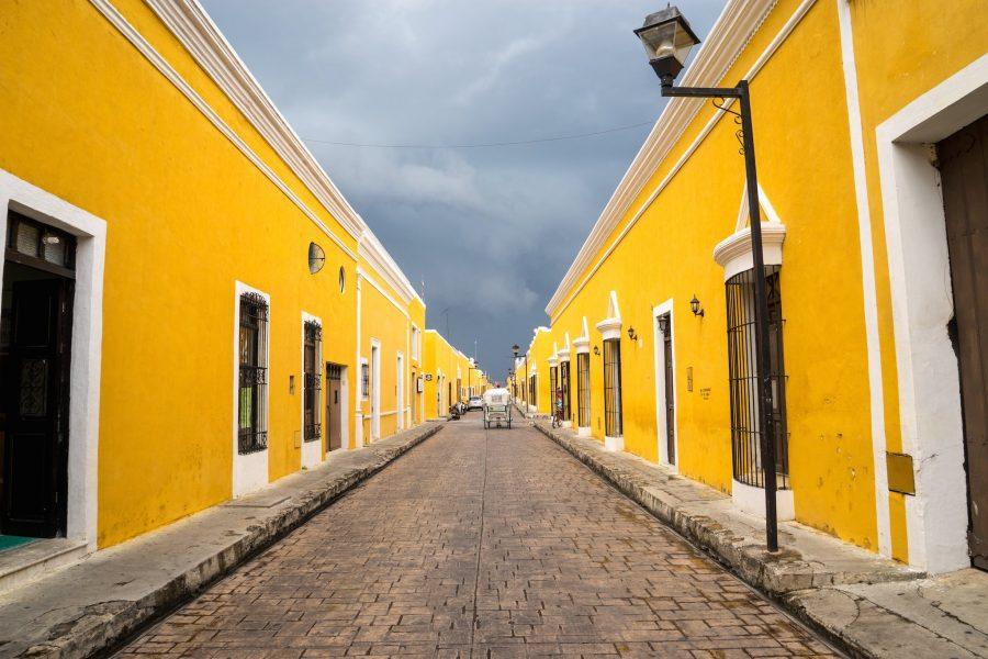 Изамаль город в желтом цвете