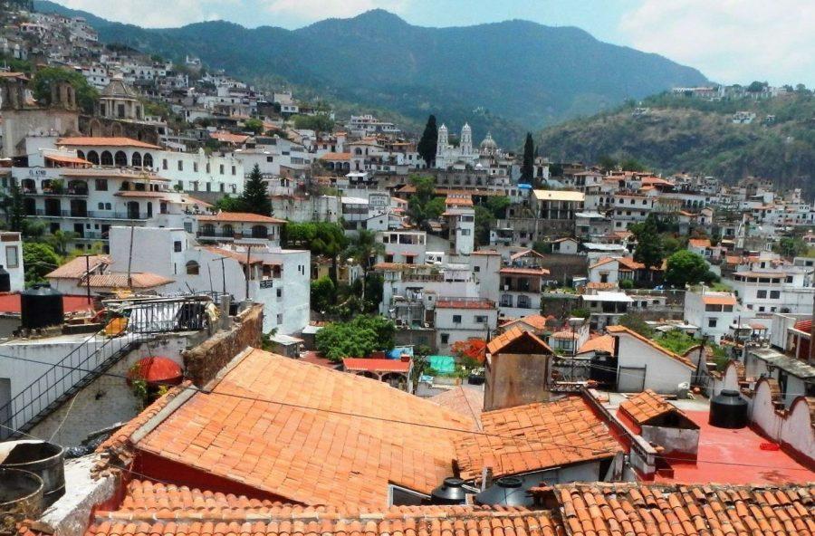 Таско город в Мексике с белыми домами