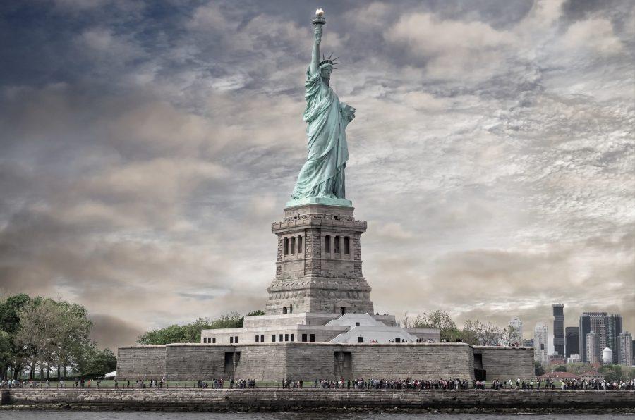 Статуя Свободы высокий памятник