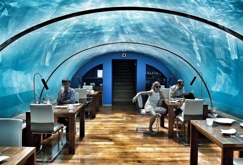 Отель под водой интересен туристам