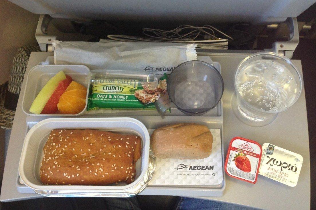 Aegean Airlines обед в самолете