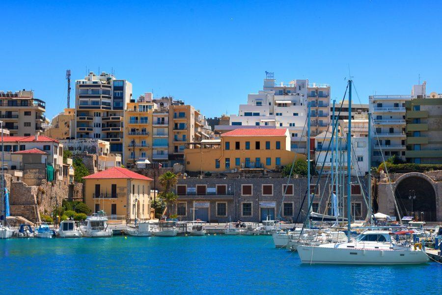 Ираклион, остров Крит для молодых туристов