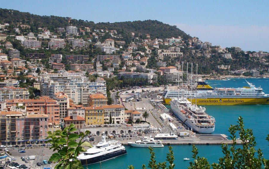 Сен-Тропе, Франция для молодых туристов
