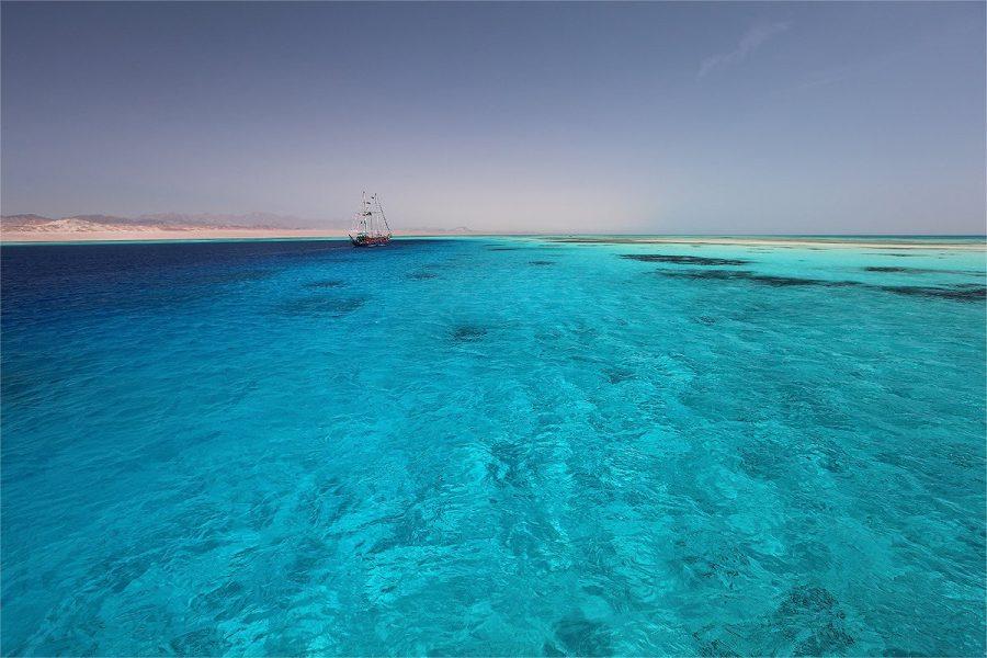 Красное море с чистой водой