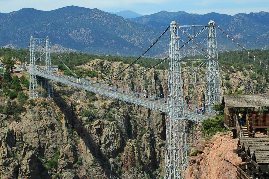 Мост над ущельем Ройял Гордж (США)