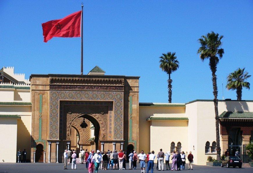 В Марокко здание со флагом