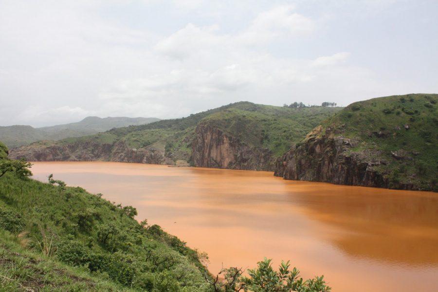 Озеро Ниос в Камеруне опасно для туристов